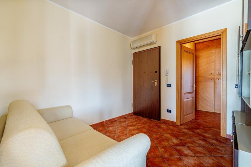 Phenomenal Three Room Flat Economyhotel Hibiscus Hotel Hibiscus Home Interior And Landscaping Synyenasavecom